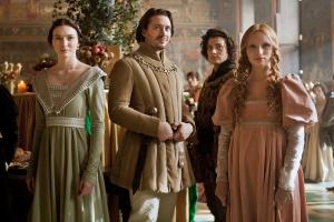 Prince George dan Prince Richard bersama puteri-puteri Warwick
